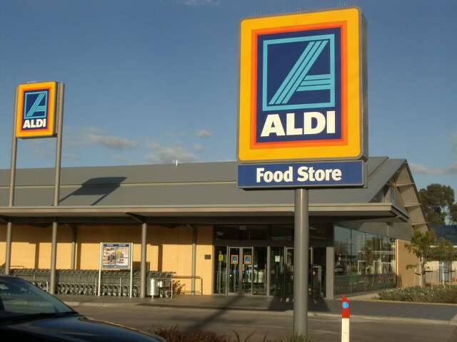 Aldi's Store Sign